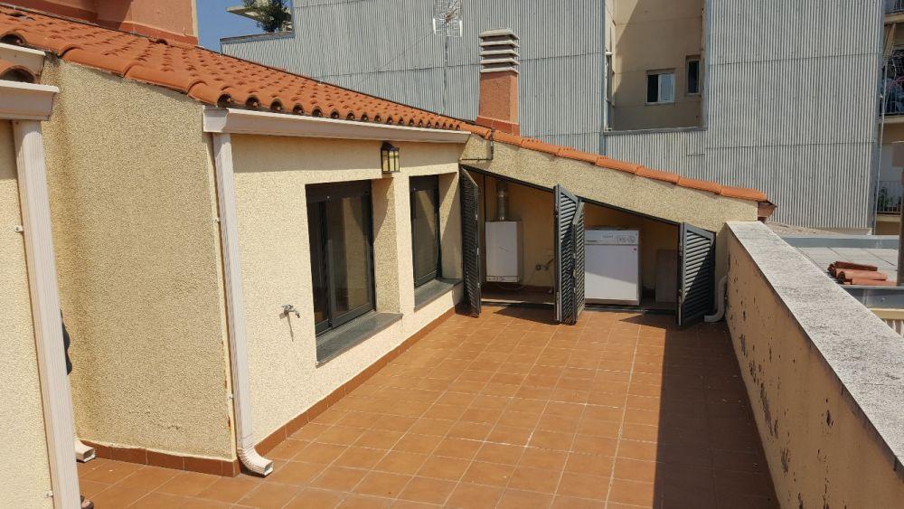 Dúplex espaiós amb terrassa! A Poblenou-Zona Esportiva Terrassa