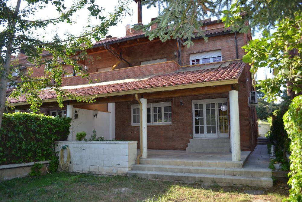 Casa adossada en venda a Matadepera