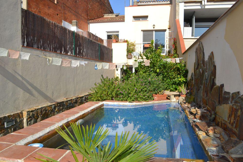 Casa amb piscina al centre! a Terrassa